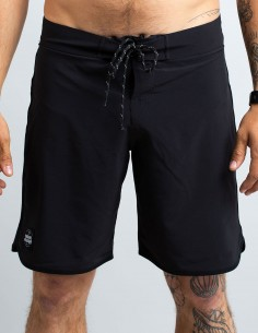 TOTAL BLACK SWIM TRUNKS